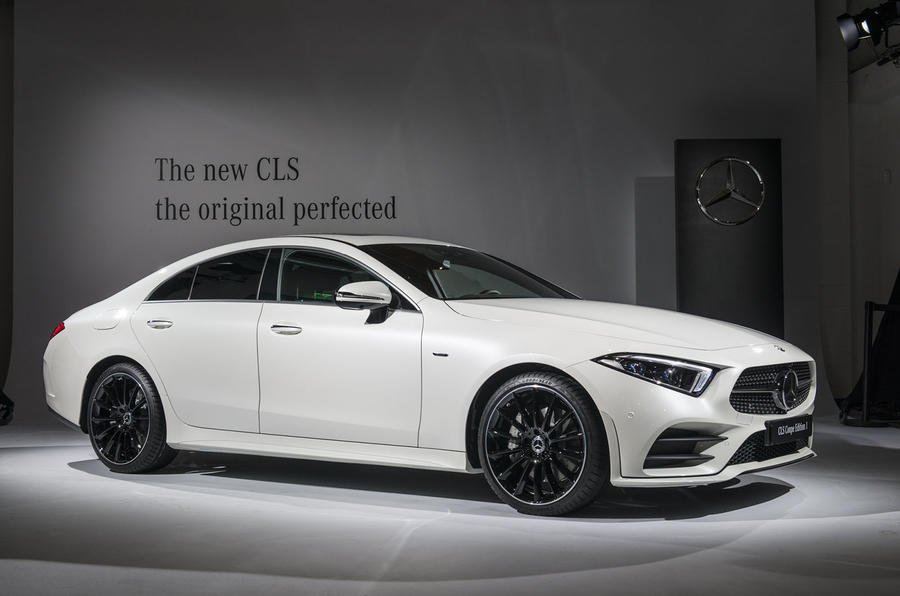 mercedes benz unveils new cls model with six cylinder engine. Black Bedroom Furniture Sets. Home Design Ideas