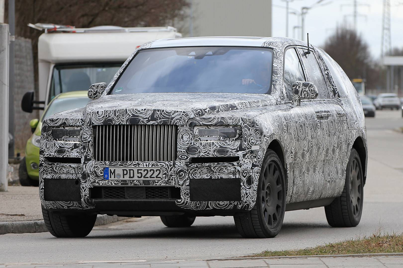 Rolls royce cullinan design unveiled in digital render for Home decorators royce